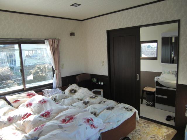 家族みんなが、心地よい住まいのリフォーム | 2階寝室トイレコーナー増築アフター