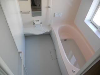 遊びに来たお孫さんをびっくりさせる浴室プラン | ボタン一つで、泡立ち、温泉みたいな、白いお湯